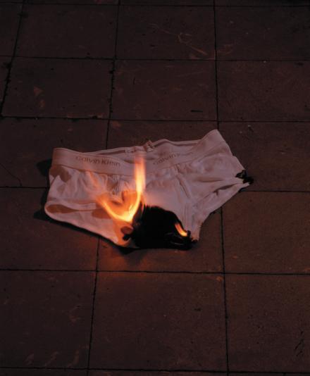 2002 · Héroes Caídos